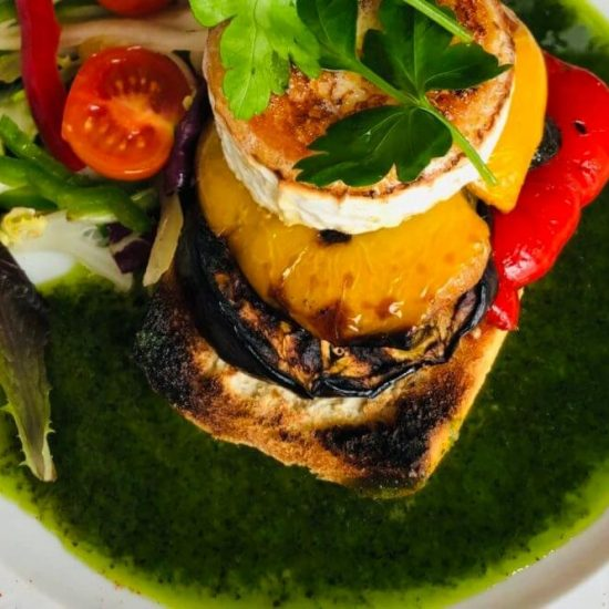 El-pilon-Goats-cheese-and-roasted-vegetables-bruschetta-Competa-1000x666